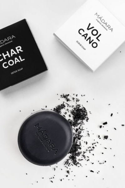 MADARA_CHARCOAL DETOX SOAP-box