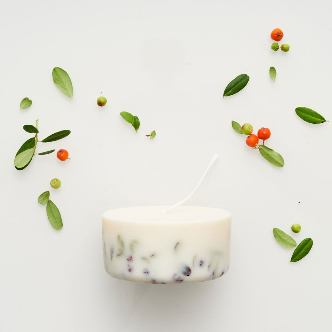 Ashberies_bilberry_leaves_mini_candle_0fa900b3-b79a-4eaf-bc7e-d26bf5c403cf_1080x